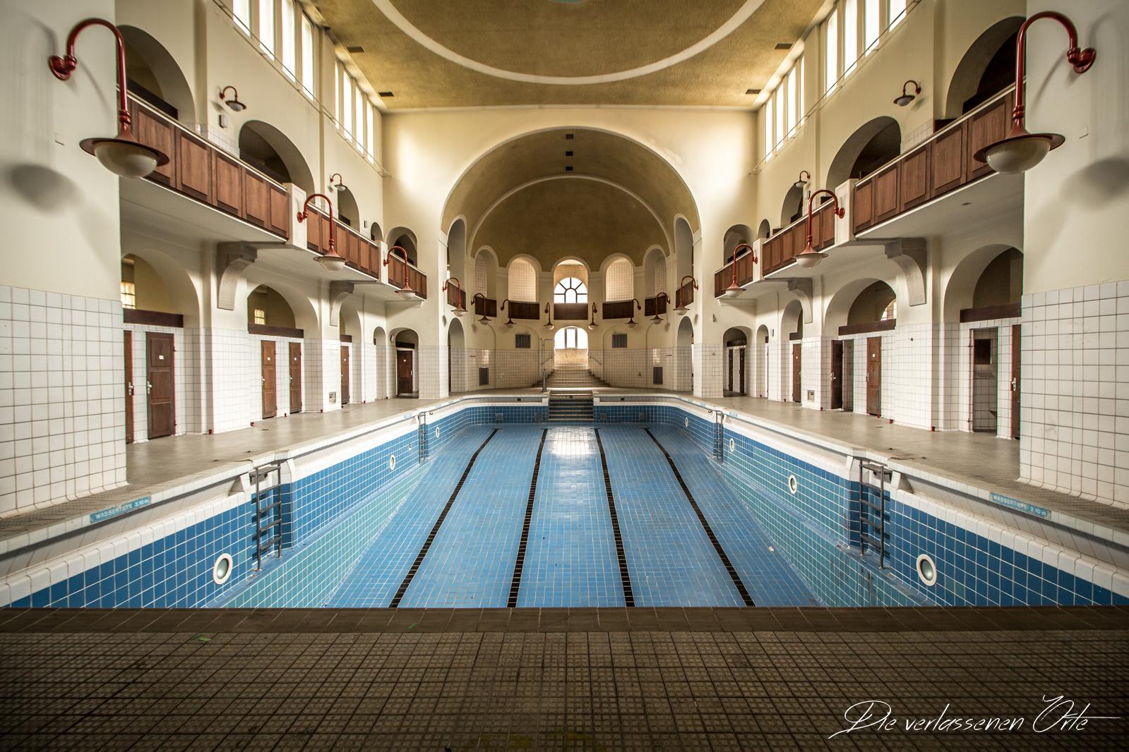Das schwimmbad im jugendstil die verlassenen orte - Farben im jugendstil ...