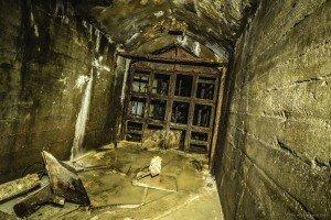 Der unterirdische Beschussbunker (19)