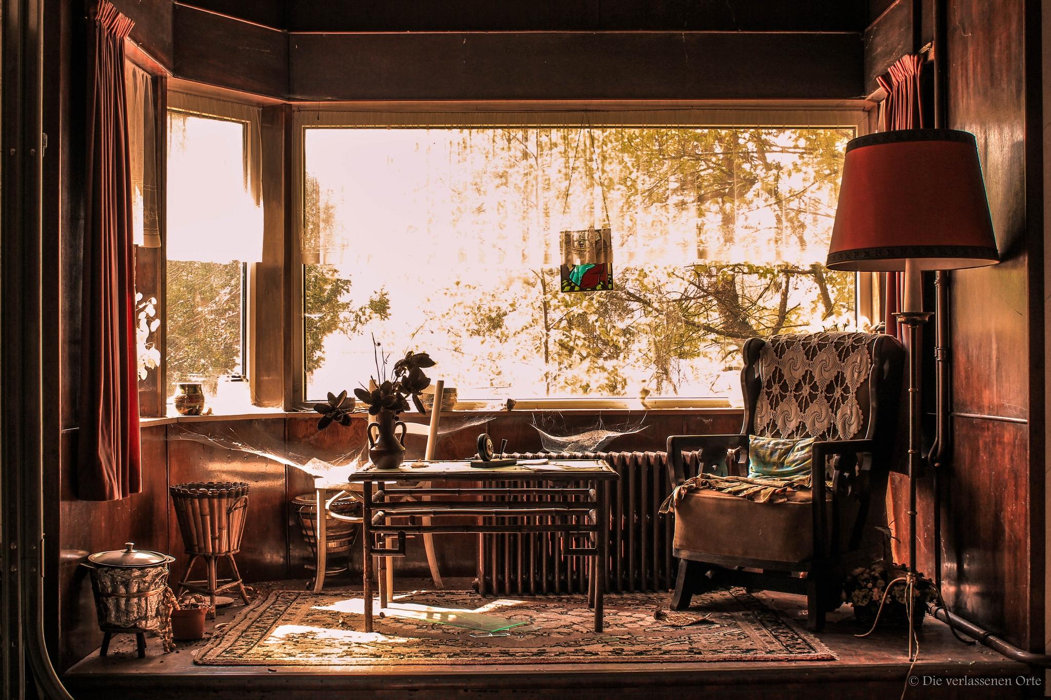 Villa der madame piet die verlassenen orte for Sessel quietscht